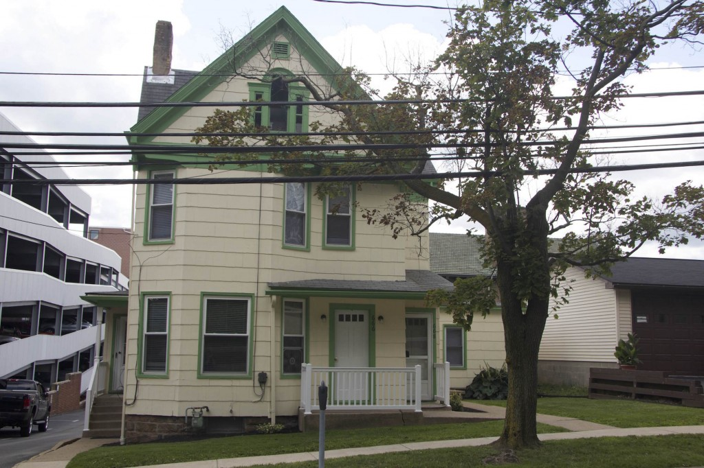 Water St 1 Bed Crimson Hawk Rentals Iup Student Housing In Indiana Pa